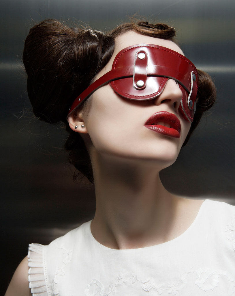 Sexual devices for BDSM: Blindfold